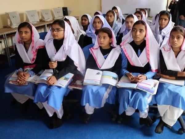 New Case Study: The Impact of a Community Network on Improving Education in Pakistan Thumbnail