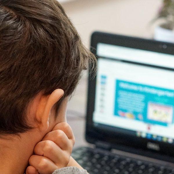 No obliguemos a los padres a educar a sus hijos en un mundo sin cifrado Thumbnail