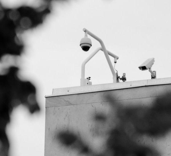 Una distopía digital: cómo las peticiones de puertas traseras para el cifrado arruinarían el Internet para todos Thumbnail