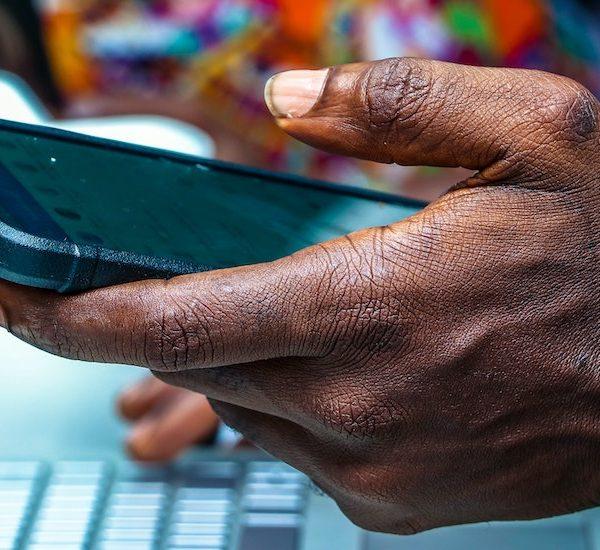 Un partenariat pour faire progresser les droits numériques et le développement de l'Internet en Afrique Thumbnail